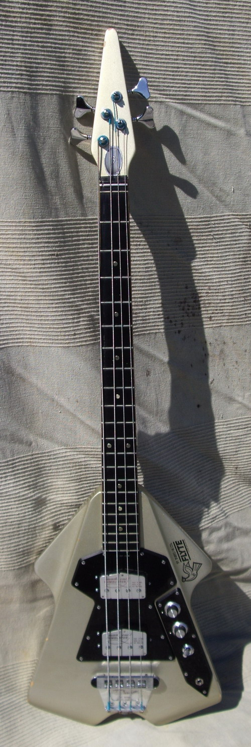 39 74 burns flyte bass a popular glam rock guitar with mach two humbuster pickups rare ohc ex. Black Bedroom Furniture Sets. Home Design Ideas