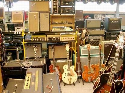 Chitarre Bassi Amplificatori Fender Gibson Gretsch Rickembacker Martin